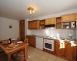 1-cuisine-location-chalet-appartements-menuires