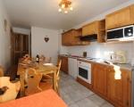 2-Kuche-Miethauschen-apartments-savoie-menuires