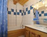 3-Salle-de-bain-location-chalet-appartements-menuires