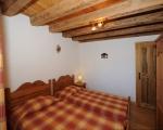 schlafzimmer2-La-grange-14-Miethauschen-apartments-savoie-menuires