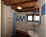 Bathroom-La-Grange-14-rental-chalet-apartments-menuires