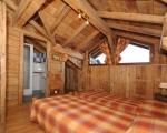 Schlafzimmer1-La-grange-24-Miethauschen-apartments-savoie-menuires