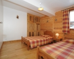 Schlafzimmer3-La-grange-24-Miethauschen-apartments-savoie-menuires
