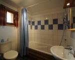 Salle-de-bain-La-Grange-24-location-appartement-chalet-menuires