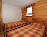 Bedroom3-La-Grange-8-rental-chalet-apartments-menuires