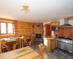 Kitchen-La-Grange-8-rental-chalet-apartments-menuires